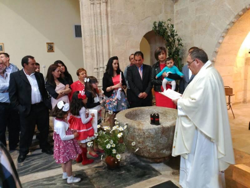 Uno de los momentos del bautizo