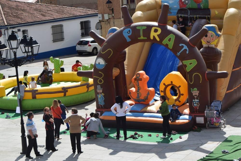 Juegos infantiles y monologo como broche final a las fiestas de San Isidro