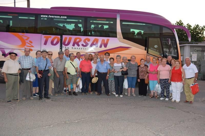 La Asociación de Mayores Dehesa del Pino visita el Valle del Ambroz