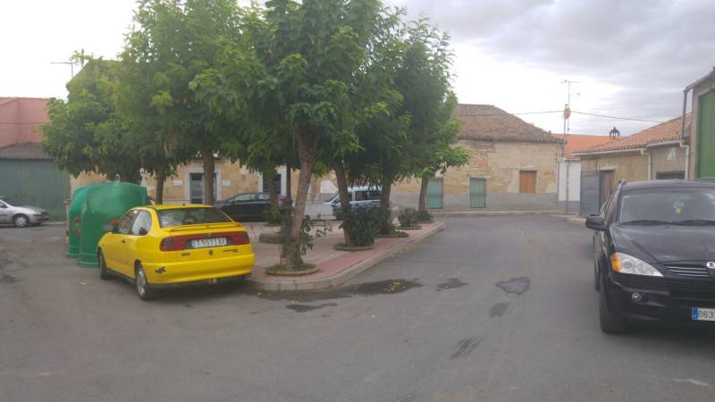 plaza lirio 1